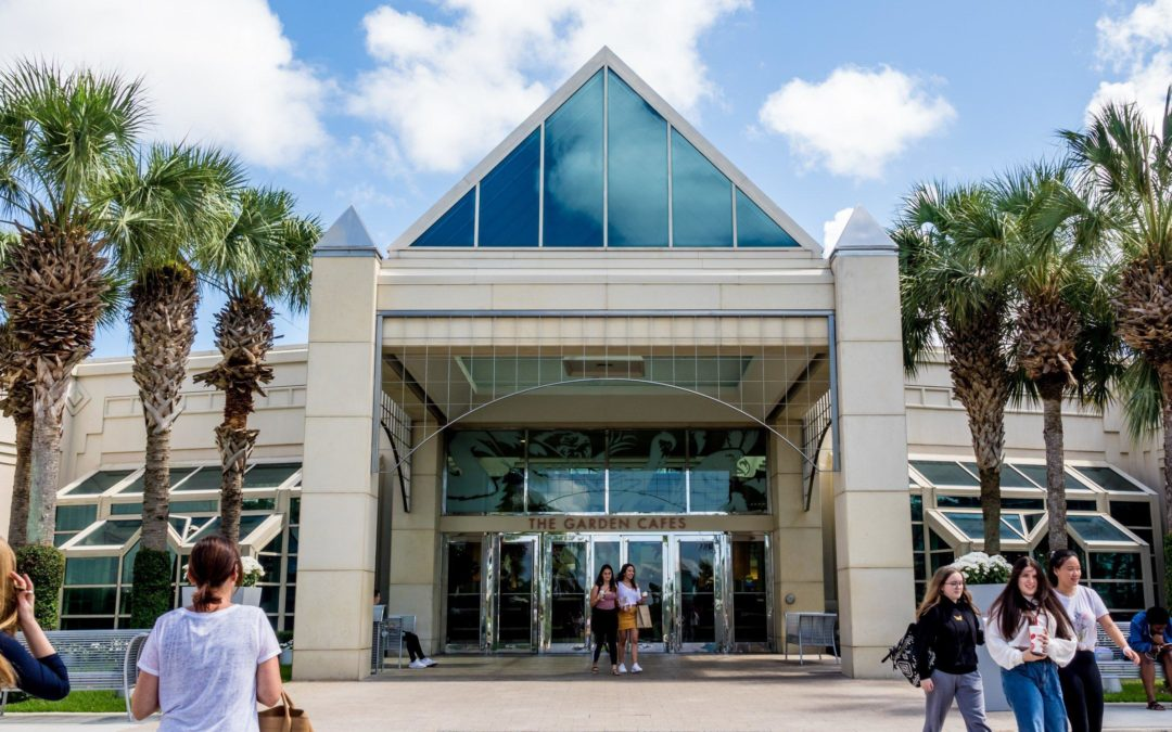 Amazon, which conquered online sales, moving into mall in Palm Beach Gardens – News – The Palm Beach Post